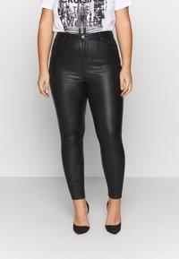 Simply Be - HIGH WAIST COATED SKINNY - Pantalón de cuero - black - 0