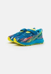 ASICS - PRE-NOOSA TRI 13 UNISEX - Zapatillas de competición - reborn blue/sour yuzu - 1