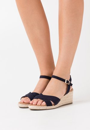 WIDE FIT YABBY CROSS VAMP LOW WEDGE - Espadrilles - navy