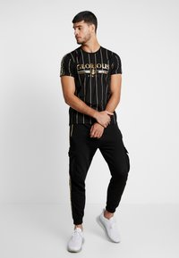 Glorious Gangsta - DERBAN - T-shirt con stampa - black - 1