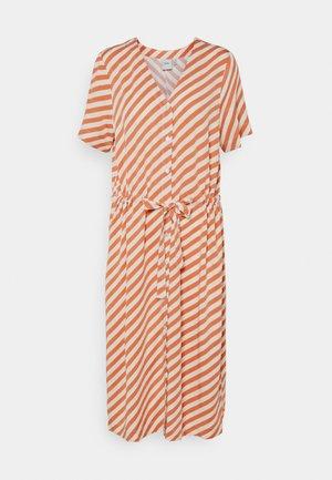 IHIMARA - Shirt dress - caramel