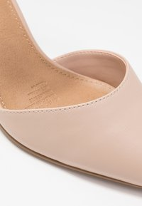 Rubi Shoes by Cotton On - JEANNE CLOSED TOE HEEL - Escarpins - pale taupe - 2