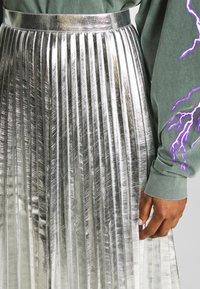 Topshop - METALLIC  MIDI - A-line skirt - silver - 6