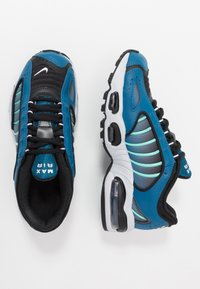 Nike Sportswear - AIR MAX TAILWIND IV - Tenisky - industrial blue/black/pure platinum/white - 0