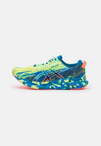 NOOSA TRI 13 - Závodní běžecké boty - glow yellow/bright lime