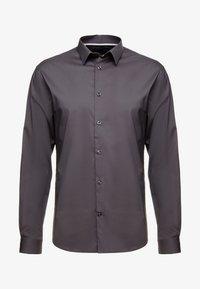 CELIO - MASANTAL SLIM FIT - Koszula biznesowa - charcoal - 4
