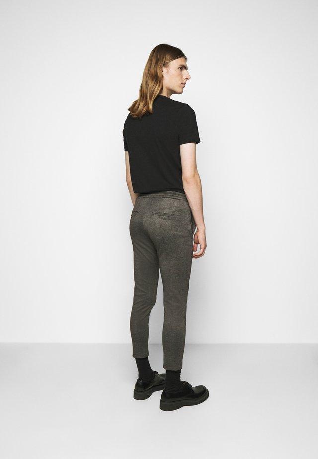 JEGER - Pantaloni - braun