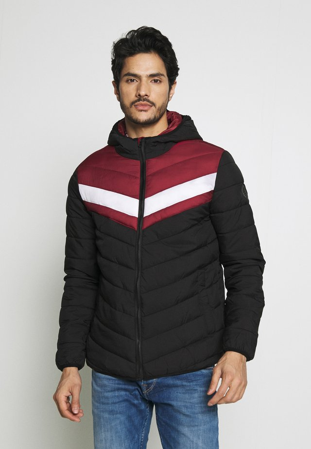 HOOD WILLOW - Jas - red