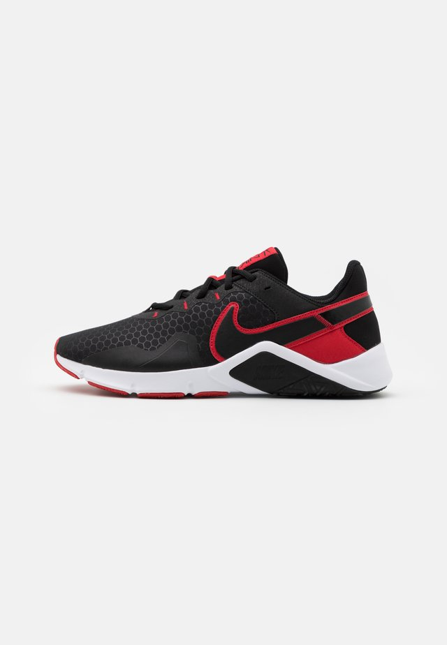LEGEND ESSENTIAL 2 - Zapatillas de entrenamiento - black/university red/white