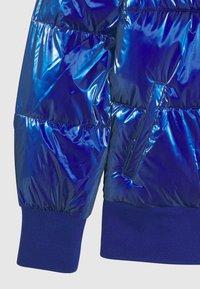 Guess - JUNIOR PADDED HOODED - Zimní bunda - jewel blue - 2