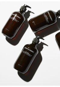 Grown Alchemist - HAND WASH SWEET ORANGE, CEDARWOOD & SAGE - Flytande tvål - - - 1