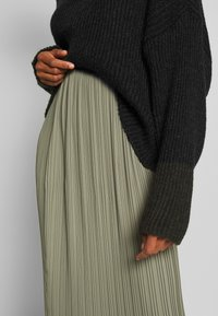 And Less - ALABBYGAIL SKIRT - Jupe trapèze - vetiver - 4