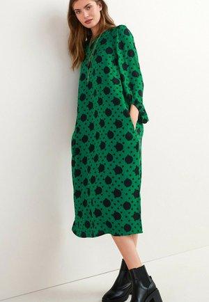 TEXTURED VOLUME - Jumper dress - green