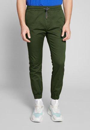 FRICKIN MODERN TAPERED  - Pantalones - olive
