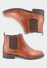 Next - TAN CHELSEA BOOTS (OLDER) - Korte laarzen - brown - 1