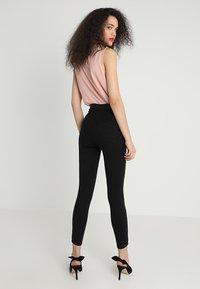 Gina Tricot - HIGHWAIST  - Jeans Skinny Fit - black - 2