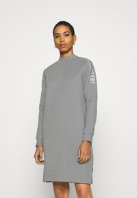 Calvin Klein - FUNNEL NECK LOGO DRESS - Shift dress - mid grey heather - 0