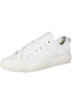NIZZA RF - Matalavartiset tennarit - ftwr white/ftwr white/off white