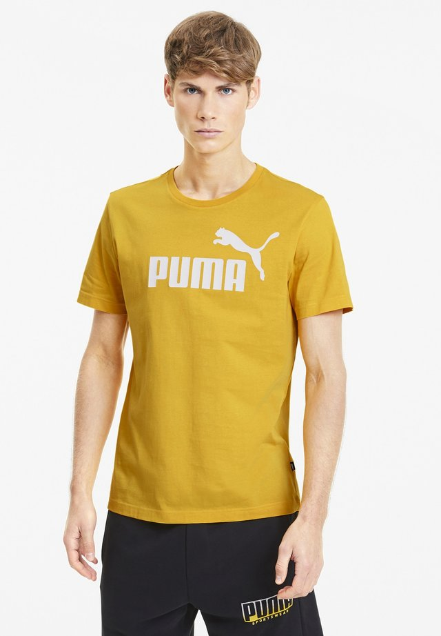 ESSENTIALS  - T-shirt imprimé - golden rod