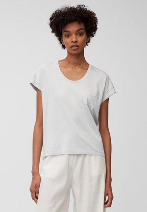 Basic T-shirt - spring water