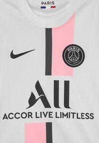 Nike Performance - PARIS ST. GERMAIN UNISEX - Club wear - white/arctic punch/black - 2