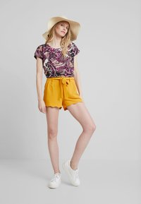 Anna Field - Shorts - dark yellow - 1