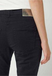 MAC Jeans - SLIM FIT IN 7/8-LÄNGE - Straight leg jeans - dunkelblau - 2