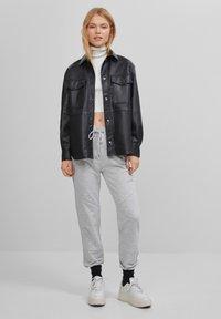 Bershka - Teplákové kalhoty - light grey - 1