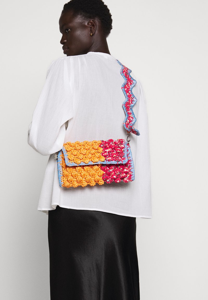 M Missoni - BAGUETTE TRACOLLA ZIG ZAG - Across body bag - orange/multicolor