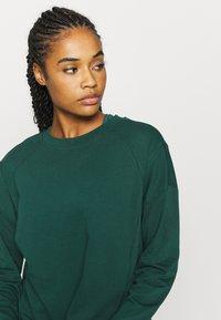 Sweaty Betty - AFTER CLASS  - Sweatshirt - june bug green - 3