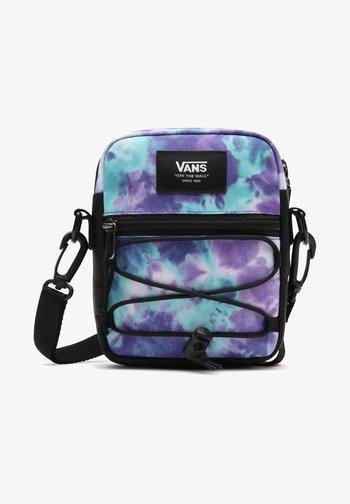 UA BAIL SHOULDER BAG - Across body bag - english lavender tie dye