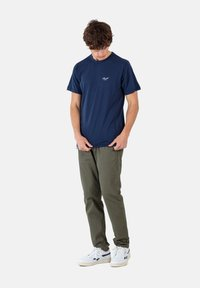 Reell - REFLEX EASY ST - Trousers - olive - 1