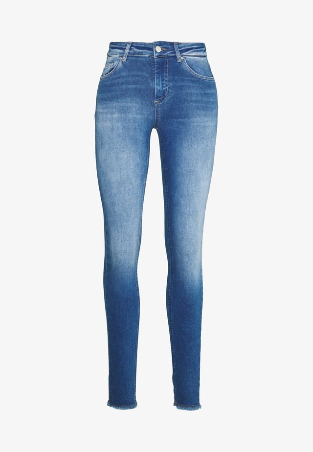 ONLBLUSH LIFE ANKRAW  - Jeansy Skinny Fit - medium blue denim
