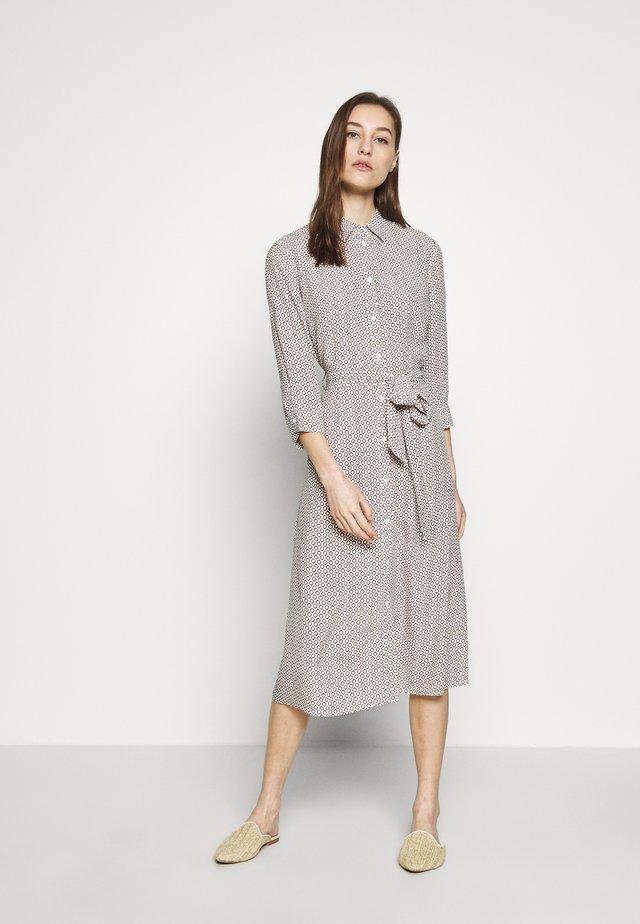 KURZ - Košilové šaty - off-white