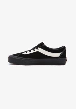 UA BOLD NI - Sneakers - suede black/marshmallow