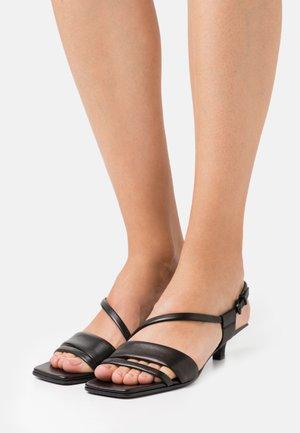 BALI - Sandaalit nilkkaremmillä - schwarz