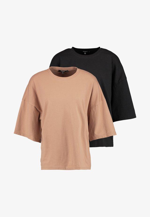 DROP SHOULDER OVERSIZED 2 PACK - Basic T-shirt - camel/black