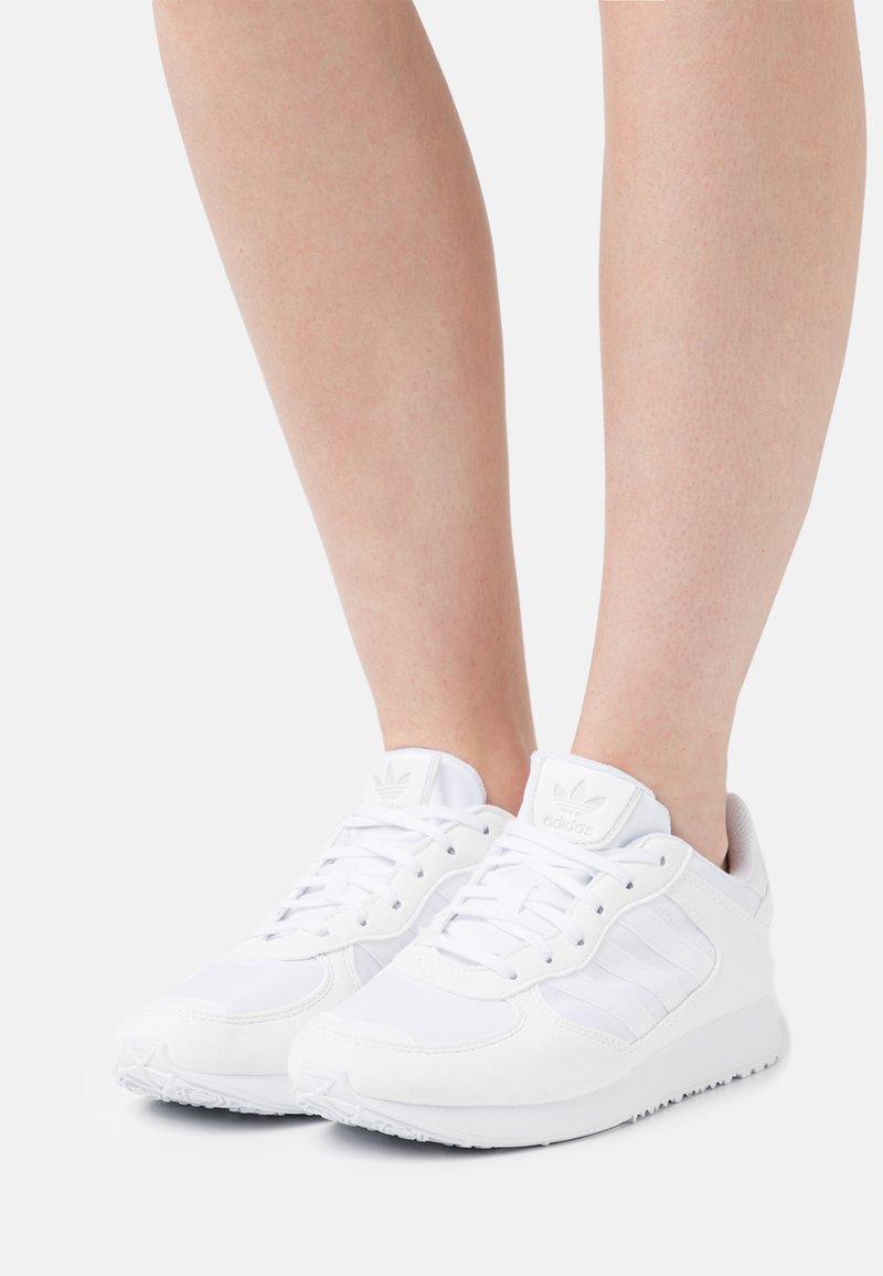 adidas Originals - SPECIAL 21 W - Baskets basses - footwear white