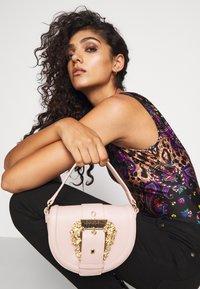 Versace Jeans Couture - CROSSBODY - Across body bag - nudo - 1