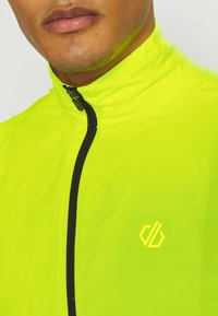 Dare 2B - ABLAZE WINDSHELL - Veste coupe-vent - fluor yellow/black - 5