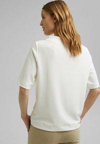 Esprit - FASHION  - Basic T-shirt - off white - 2