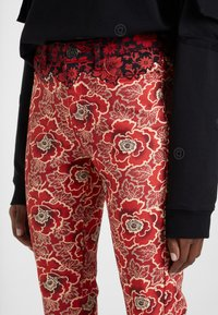 Desigual - DESIGNED BY M. CHRISTIAN LACROIX - Bukser - red - 3