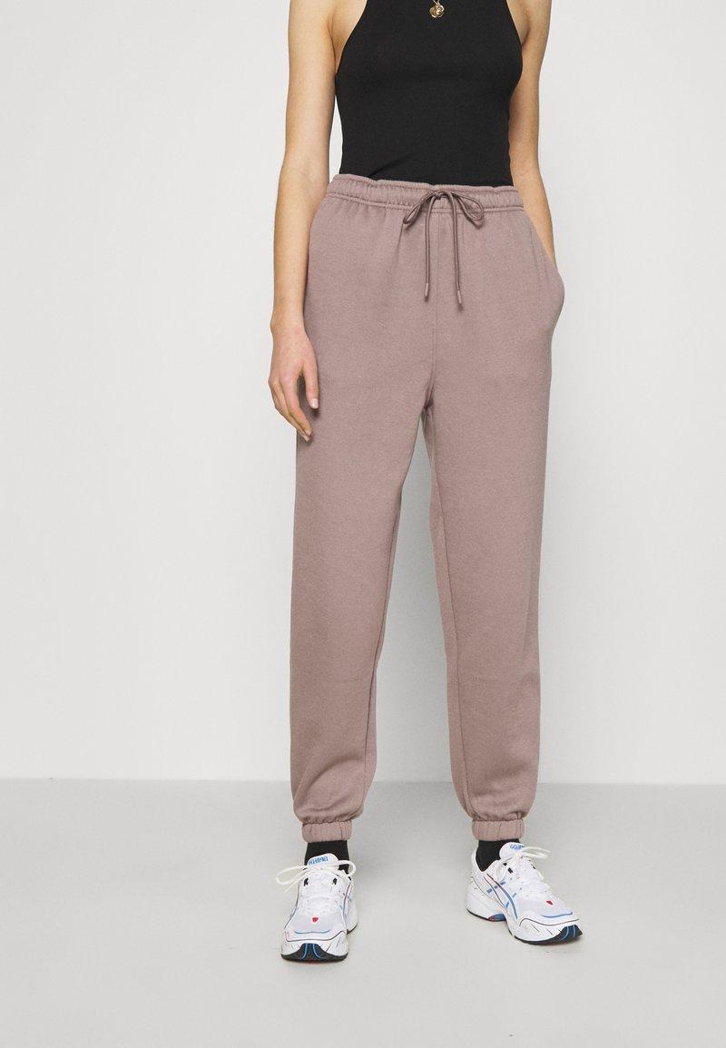 Topshop - HARLEY JOGGER - Pantaloni sportivi - mink