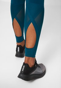 Nike Performance - INTERTWIST 2.0 - Tights - midnight turquoise/black - 4