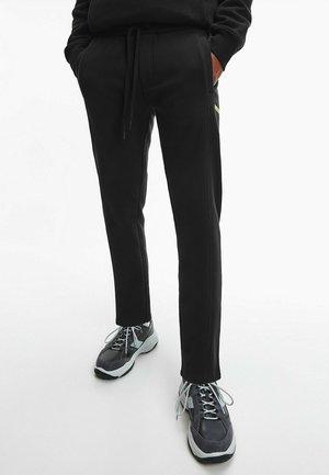 ORGANIC BLEND JOGGERS - Verryttelyhousut - ck black