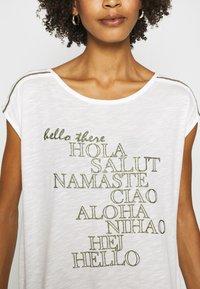 Cartoon - Print T-shirt - cream/khaki - 4