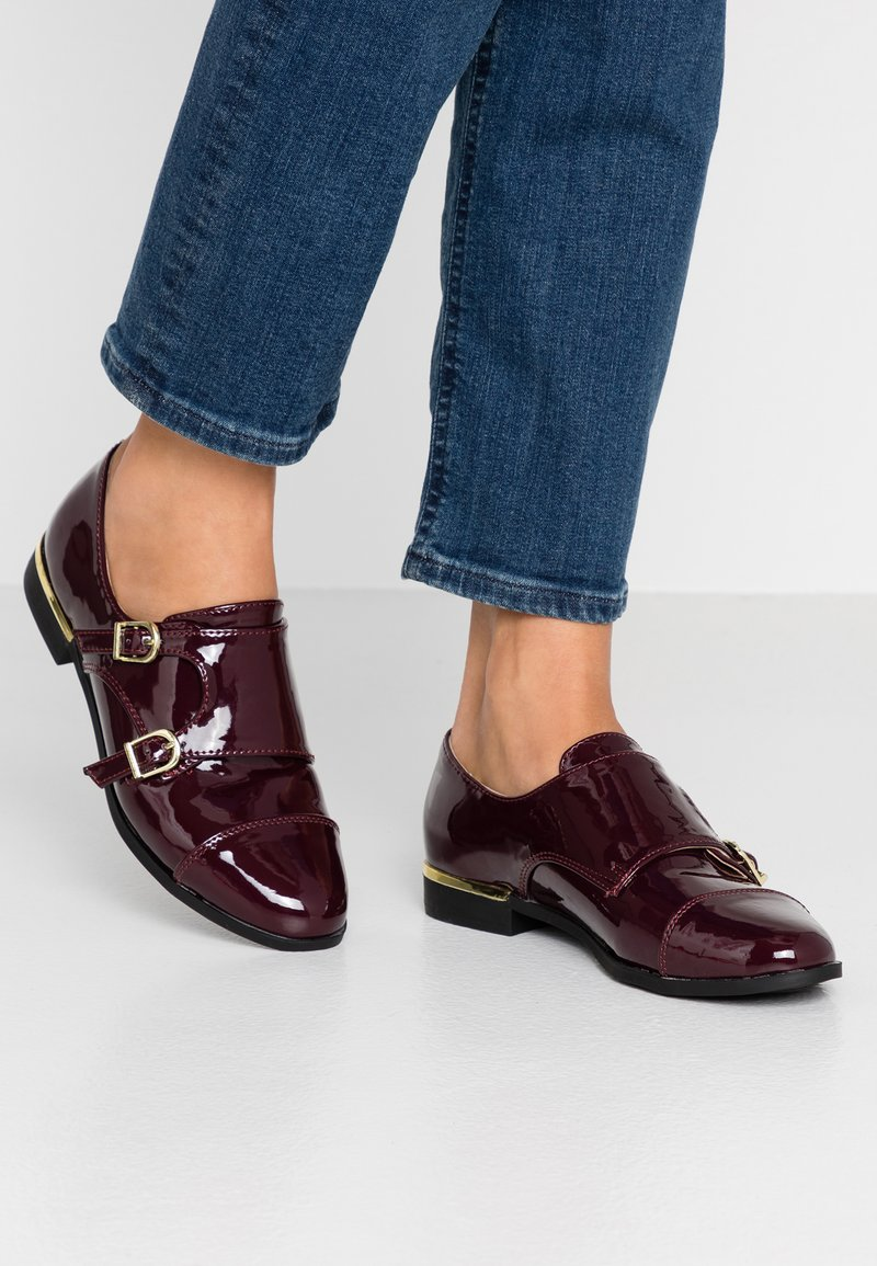 Dorothy Perkins - LIZZIEDOUBLE MONK STRAP LOAFER - Slip-ons - burgundy