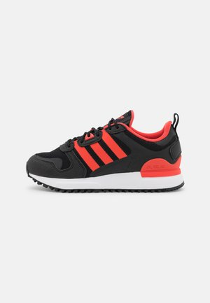 ZX 700 UNISEX - Matalavartiset tennarit - core black/bright red/footwear white