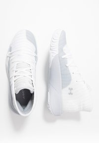 Under Armour - SPAWN MID - Indoorskor - white/mod gray - 1