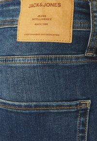 Jack & Jones - JJIRICK JJORIGINAL SHORTS  - Shorts vaqueros - blue denim - 2